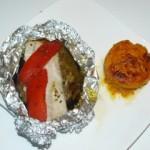 Papillote de poisson, aubergine et poivron accompagné d'un flan de potiron au parmesan et curry.