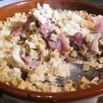 Gratin de crozets à la raclette et au jambon cru de Savoie.