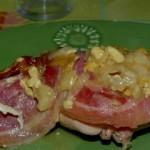 Lapin à la pancetta et au fromage de chèvre.