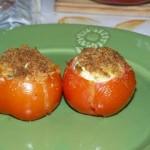 Tomates farcies au fromage de chèvre.