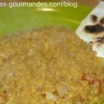 Curry de lentilles corail et lait de coco.