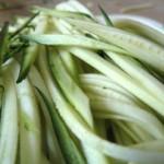 Pâtes de courgettes aux épices (recette au wok)