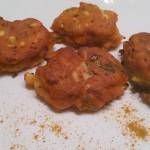 beignets de courgettes et épices à la farine de pois chiche.
