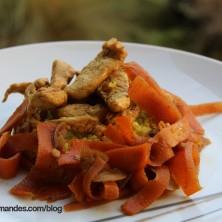 Émincés de poulet citron vert et carottes au wok sur du boulgour au curry